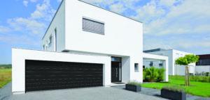 Porte de garage par l'agence Biason à Pau