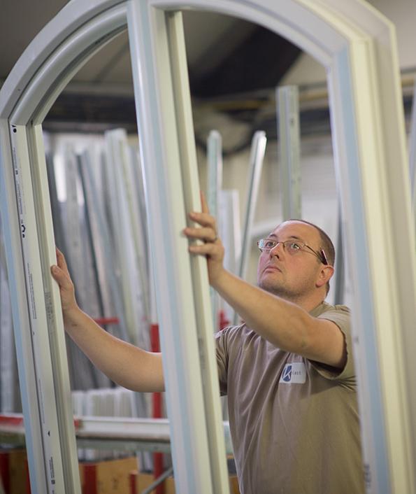 La production artisanale des menuiseries et fermetures de l'agence Biason située à Pau